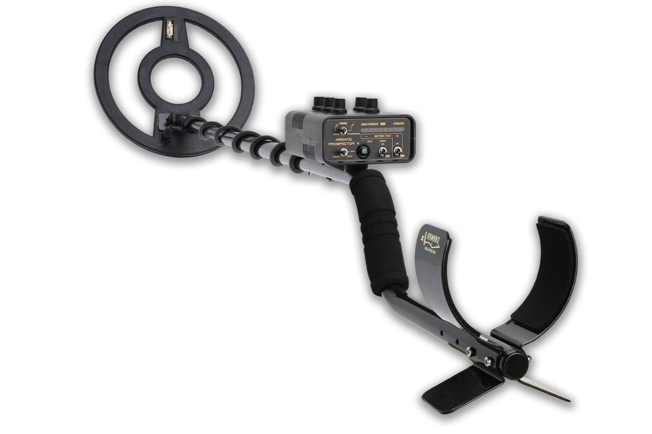 Armand Prospector 4 metal detector + charger